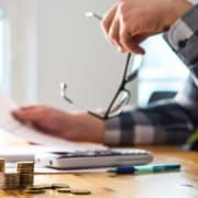Welchen Einfluss hat die Abfindung auf das Arbeitslosengeld?